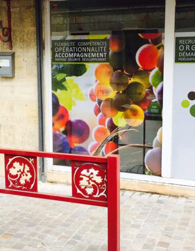 Réalisation d'un vitrine pour le groupement GEA par C'est d'Ici communication santé à Bordeaux