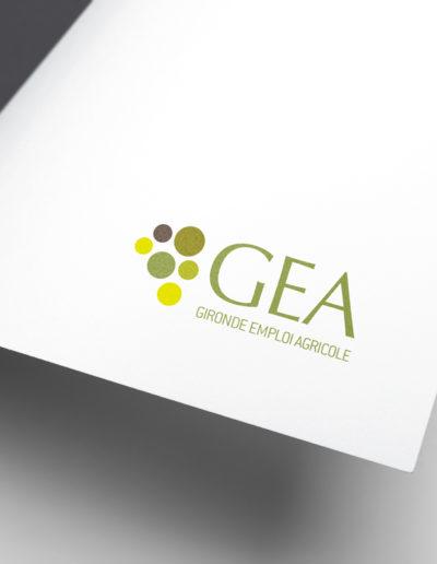 Logo du groupement d'employeurs GEA réalisé par l'agence de communication C'est d'ici spécialisé en santé et bien-être à Bordeaux